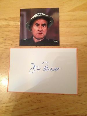 """Bill Pertwee """"dads Army""""  Hand Signed Card Cut"""