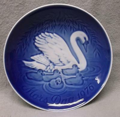 1976 Mother's Day Collector Plate Bing & Grondahl B&G Denmark, Swan with cygnets
