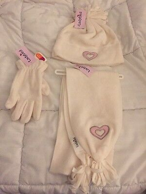 Lovely Girls Hat Scarf And Gloves Set