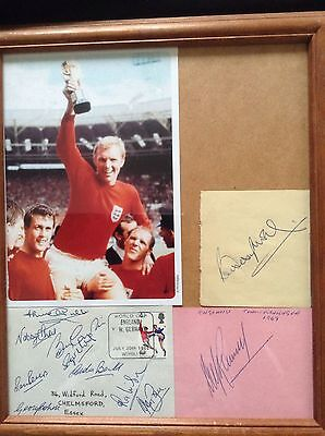 HAND SIGNED RARE WORLD CUP 1966 ENGLAND AUTOGRAPHS BOBBY MOORE, RAMSEY... etc