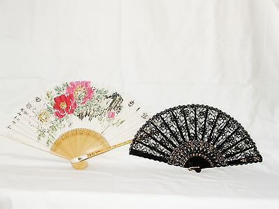 2 Hand fans in boxes