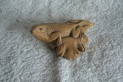 Handcarved Indonesian Parasite Wood Lizard, Fairtrade?
