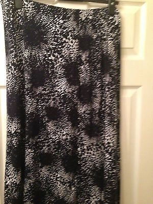 Isle  Skirt  Size 18  L@@k Lovely New  Without Tags