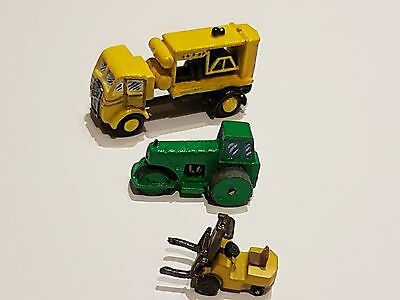 N Gauge - Fire Engine / Road Roller / 2 other vehicles (unboxed)