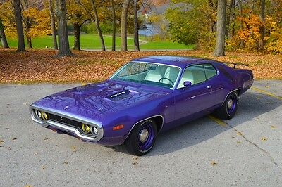 1971 Plymouth Road Runner  1971 Plymouth Roadrunner 440-6 4-spd 1 of 137 6BBL Six Pack Super Track Pack NR!