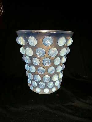Beautiful (LARGE) Opalescent R.LALIQUE Vase (BAMAKO) Circa 1935.