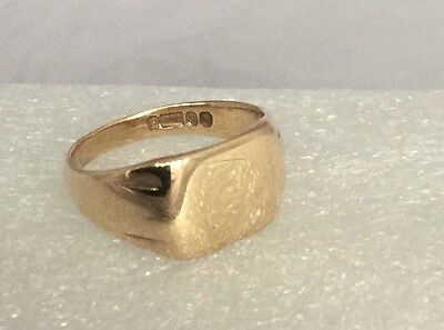 Mens Heavy Vintage 9Ct Gold Signet Ring, Size 't' - Weighs Approx 6.5 Grams