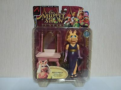 Muppets Palisades Action Figure. Miss Piggy Dressing Room