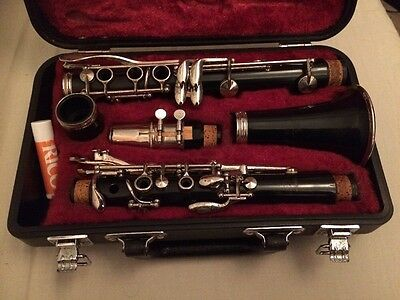 Yamaha 26ii Bb Clarinet With Yamaha 4C Mouthpiece, Hard Case And Ligature