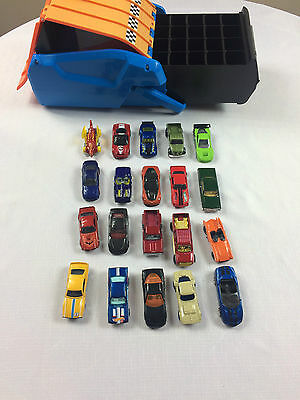 Hot Wheels Racing Carry Case with Ramp + Storage Drawer PLUS 20 Cars
