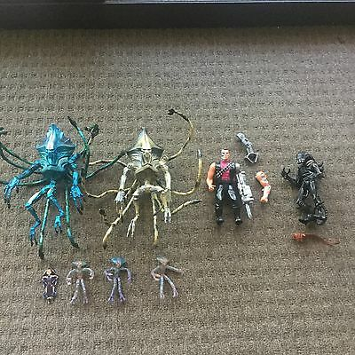 toy lot #17 action figures, x4 , independance day, terminator, alien 90's