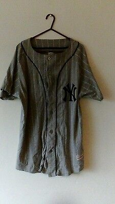 New York Yankees shirt medium majestic