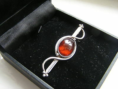 ART NOUVEAU SILVER & AMBER BROOCH/PIN - HALLMARKED LONDON & SIGNED c1913