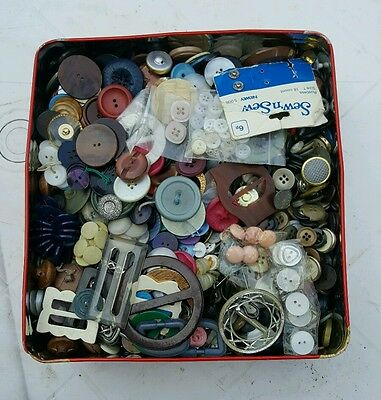 large tin of retro buttons