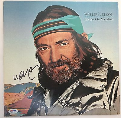 Willie Nelson Signed Record Vinyl LP PSA/DNA Autographed Always on My Mind COA