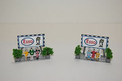 Ho Scale Slot Car Scenery,Diorama /  ESSO  AD SIGNS with BENCHES & PEOPLE