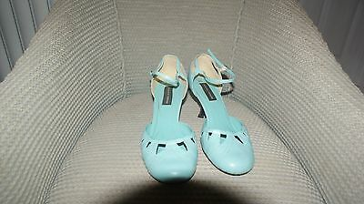 Vintage looking 70s mary janes size 6