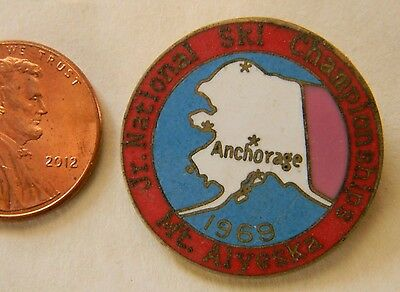 Rare Vtg Jr. National Ski Championship Mt Alyeska Alaska Pin Back Button Badge