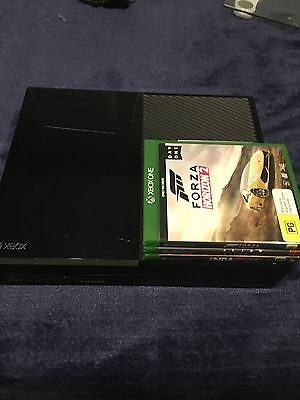 Xbox One 500GB Black Console - Very Good Condition + 3 Games With 2 Controllers