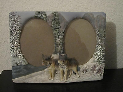 "Wolf Wolves Resin Dual Photo Frame 9"" x 6-1/2"""