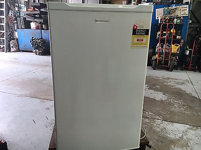 bar fridge 116 litre