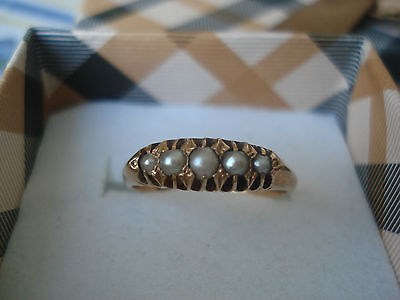 Antique 18 ct Gold Ring set with graduated Seed Pearls
