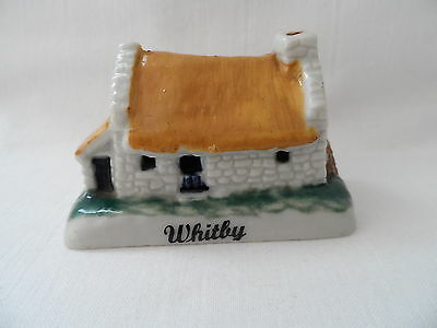 (bm) RARE WADE SHAMROCK COTTAGE MADE IN IRELAND WITH WHITBY ON FRONT RIM