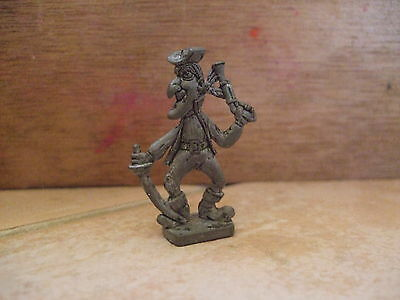 Kinder Metal  Pirate Grotesque  Scame 1/8