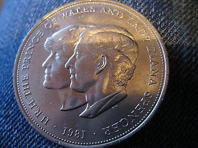 1981 Crown Coin  Of Prince Charles & Lady Di