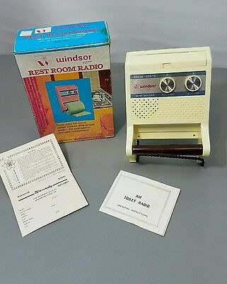 VINTAGE WINDSOR 1973 REST ROOM RADIO IN BOX Silly Fun Model 2087