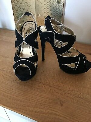 Ladies Black And Gold Sandals Size 3