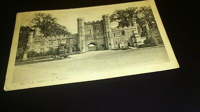 Old postcard battle abbey gateway posted 1907 peacock plated photo by pictorial