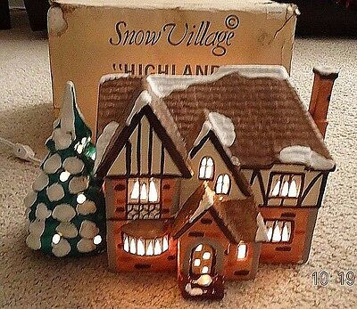 "DEPARTMENT 56 SNOW VILLAGE 5063-6 ""HIGHLAND"" HOUSE w/Box 1987 - LIGHTED!!"