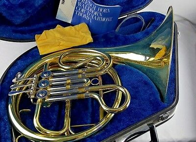 GREAT Yamaha French Horn WITH CASE