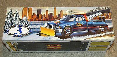 Sunoco 1996 TOW TRUCK with SNOW PLOW Collector's Edition