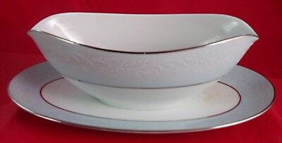 Noritake LAUREATE Gravy Boat with Attached Underplate, Pattern #5651