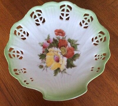 Unusual Hand Painted Shell Shaped Dish