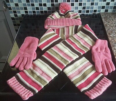 girls hat scarf and gloves