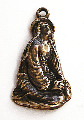 Mary Praying Antique Replica Medal Pendant Sterling Silver or Bronze 675
