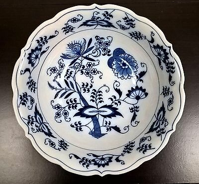 "Blue Danube Japan Blue Onion Round Serving Bowl 9 1/8"" Ribbon Patent 99183"