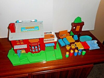 Fisher Price Neighborhood 1989 Almost Complete  Excellent Condition