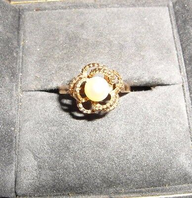 Womens 9ct Gold hallmarked pearl set ring Size L