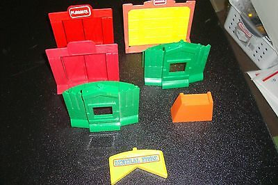 Vintage Wooden Lincoln Logs, 7 Plastic Piece, Gates, Look At Pictures