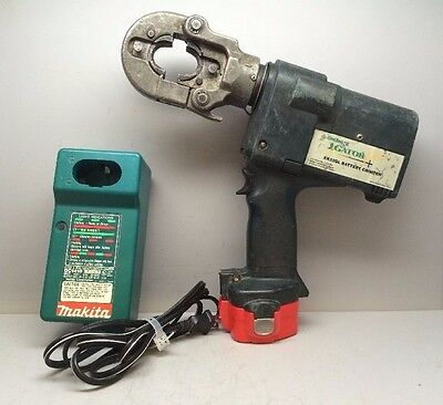 GREENLEE GATOR EK22GL BATTERY-POWERED HIGH-SPEED CRIMPER W/ Battery & Charger *1