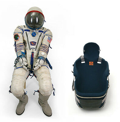 Scott Kelly's 159 Days Flown Spacesuit Sokol Kv-2, Chair Bed And Signed Proof!!