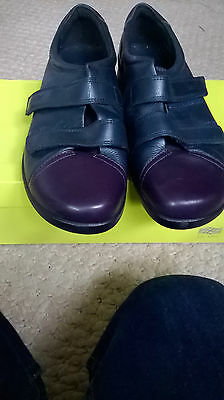 ladies navy hotter shoes size 8