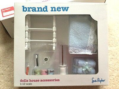 Dolls House Collectors Bathroom Accessories New Boxed 1:12 Scale