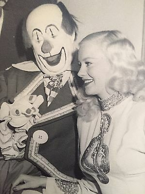 MARY HARTLINE and Super Circus Cast, Cincinnati Post Photo, Autographed To Buyer
