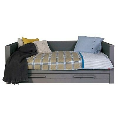 2 x DENNIS DAY BED WITH TRUNDLE DRAWER ONE WHITE, ONE GREY