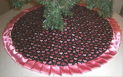 """Valentine's Day Tree Skirt ~ 47"""" ~ Hearts on Black with Rose Ruffle ~Custom Made"""